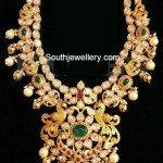 Flat Diamonds Peacock Necklace