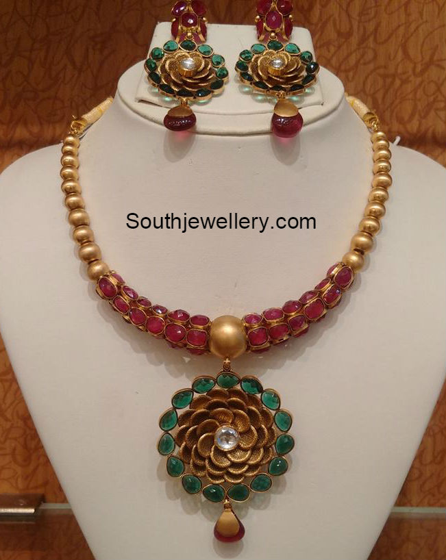 ruby emerald necklace jewellery designs