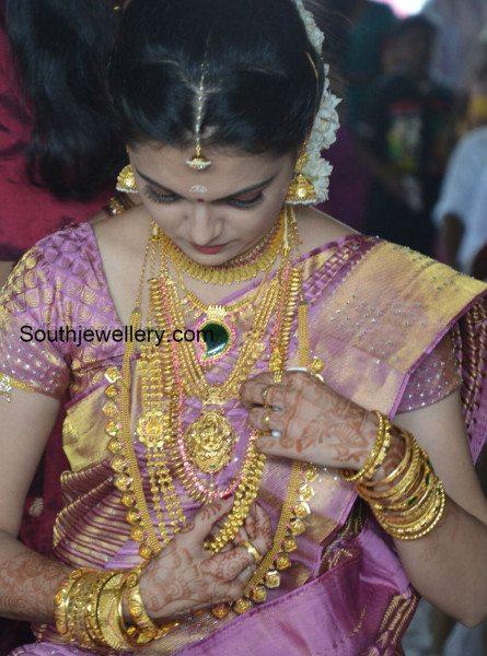 saranya_mohan_,marriage_jewellery