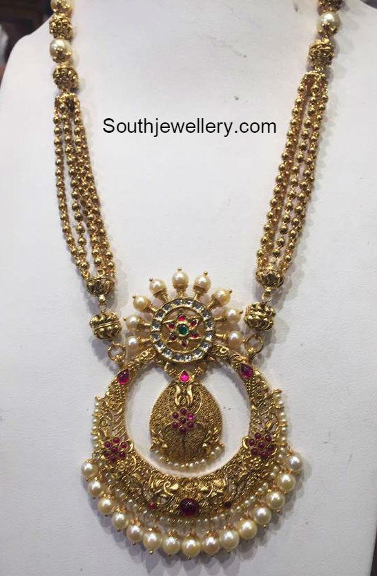 Nara Brahmini In Antique Necklace And Jhumkas Jewellery