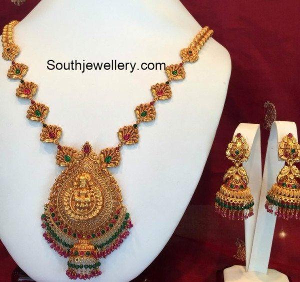 antique_gold_necklace_jhumkas