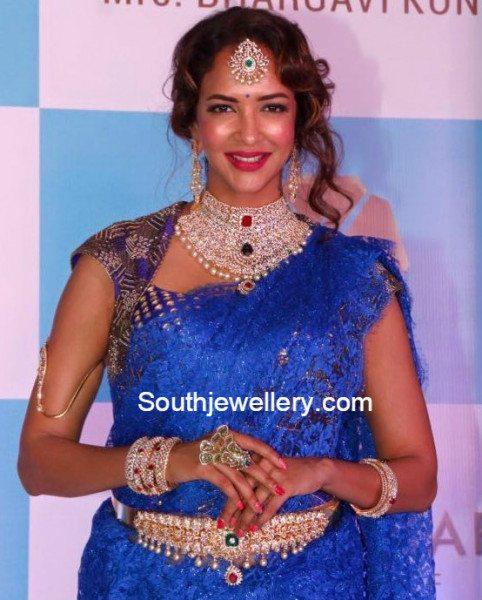 lakshmi_manchu_in_vasundhara_diamond_jewellery