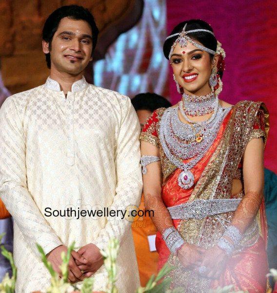 Ravi Pillai Daughter Marriage Photos jewellery