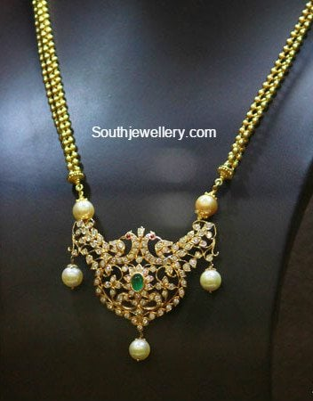 gold chain with diamond pendant