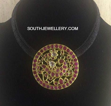 black_dori_necklace