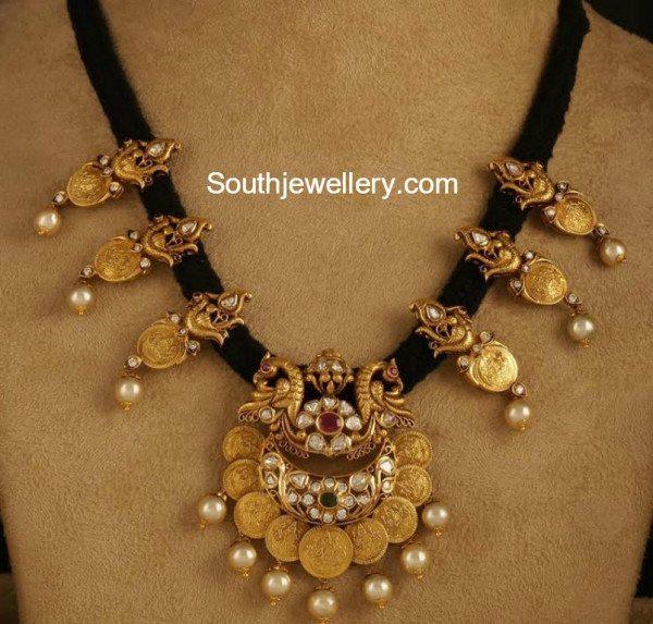 peacock_kasu_black_thread_necklace