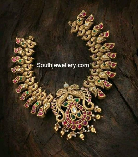 antique_gold_peacock_necklace