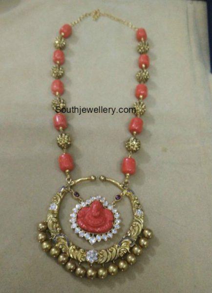 nakhsi_balls_coral_beads_mala