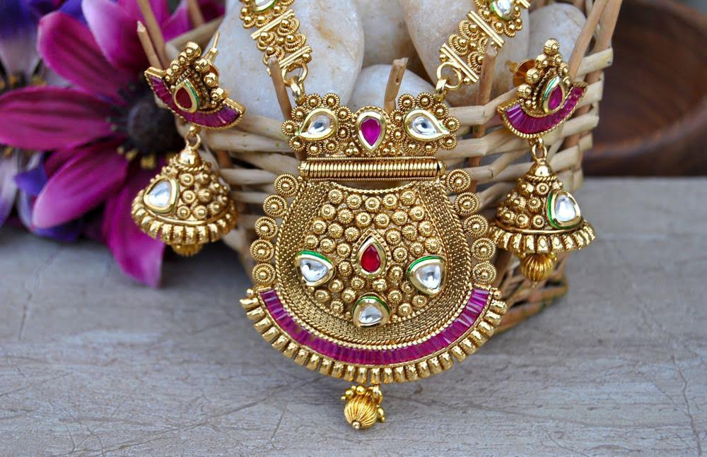 9 Best Rold Gold Jewellery Designs For Men And Women