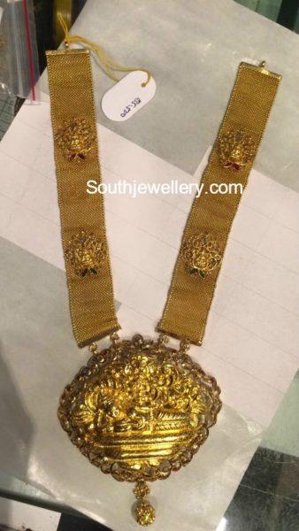 antique_gold_lakshmi_haram