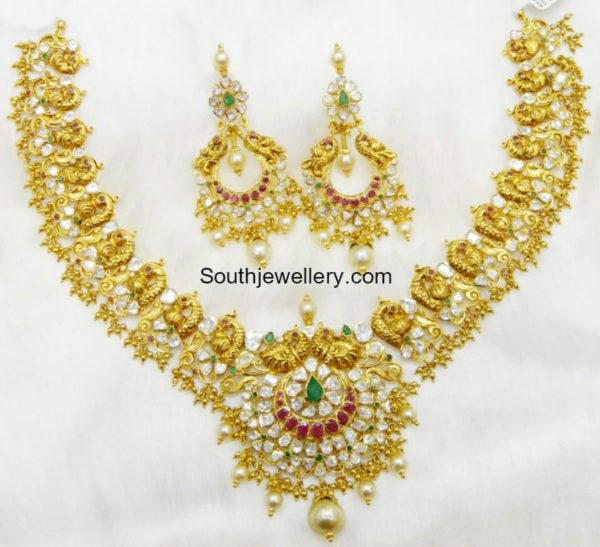 flat_diamond_peacock_nakshi_necklace