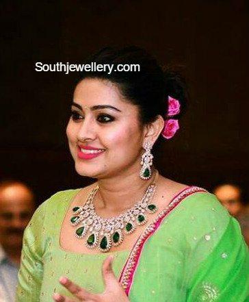 sneha_prasanna_diamond_necklace_set