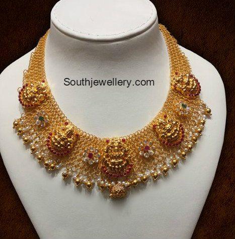 gold-links-necklace-lakshmi-pendant