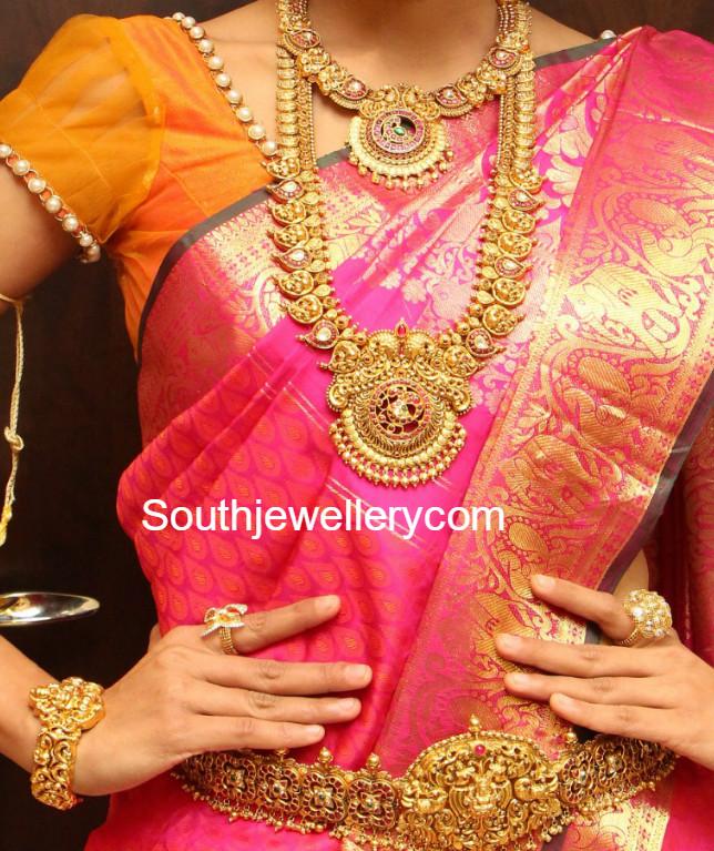 Antique Gold Wedding Jewellery Set by Manepally Jewellery Designs