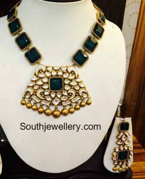 emerald-necklace-kundan-pendant