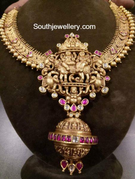 Antique Gold Necklace with Nakshi Pendant