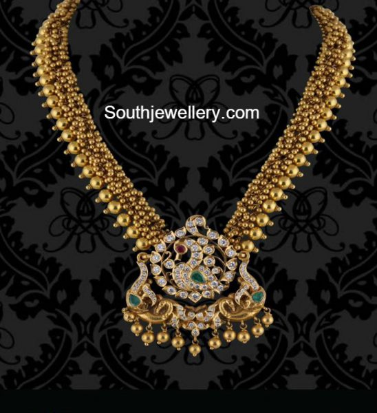 gold-necklace-diamond-pendant