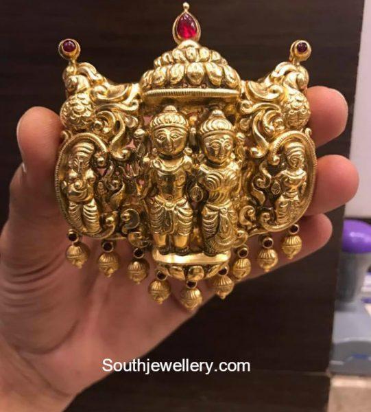 gold-temple-jewellery-pendants
