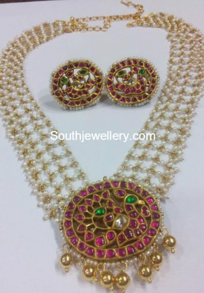 Pearls Haram with Kundan Pendant and Kundan Earrings