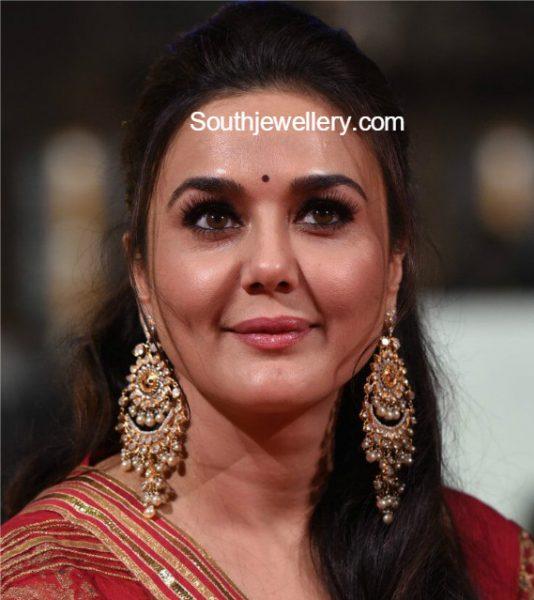 Preity Zinta in Polki Diamond Chandbalis