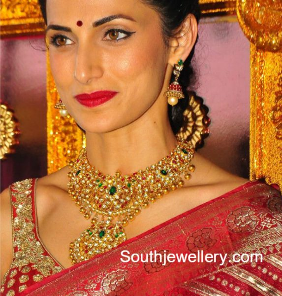 shilpa-reddy-kundan-necklace