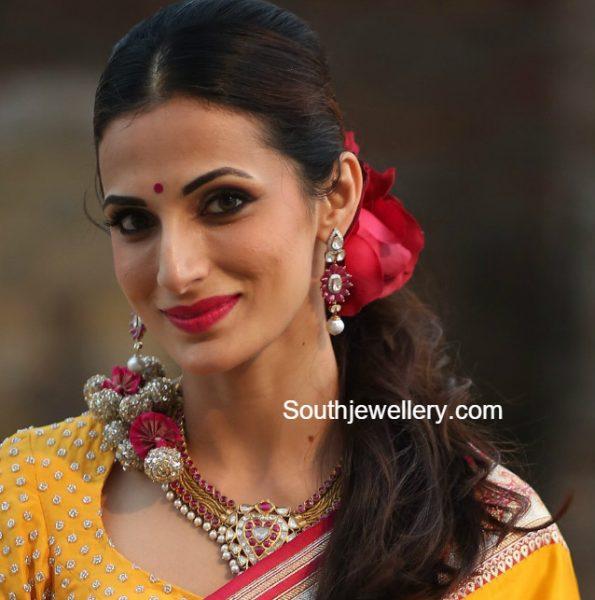 shilpa-reddy-kundan-necklace