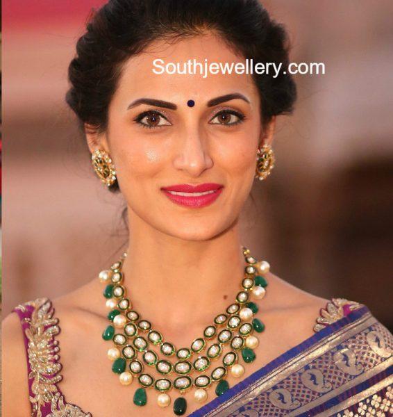 Shilpa Reddy in a polki diamond necklace set