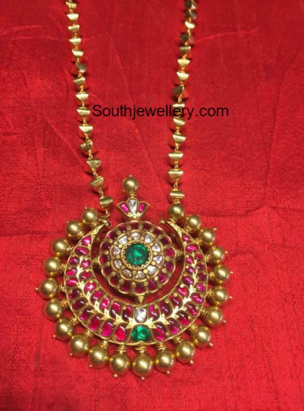 Simple Gold Chain with Kundan Pendant