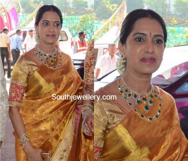 veena-reddy-mother-diamond-jewellery