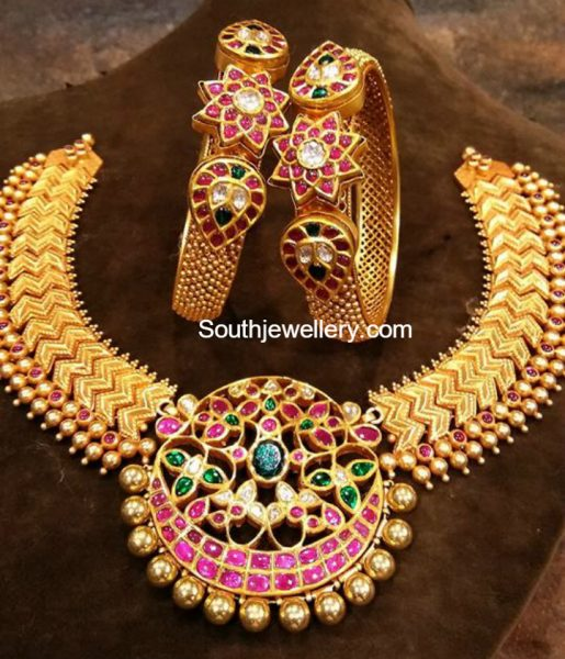 Kundan Necklace and Bangles
