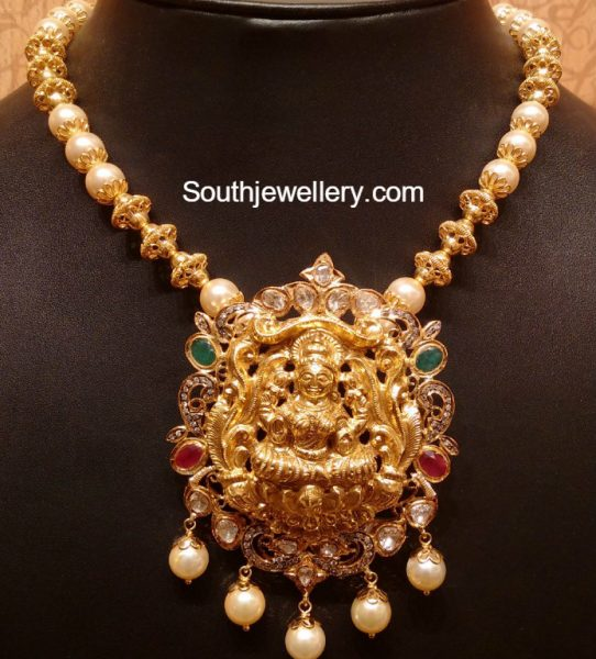antique-gold-necklace-lakshmi-pendant
