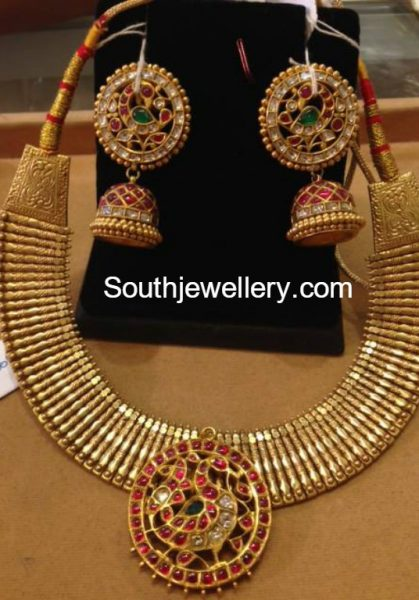 22-carat-gold-necklace-jhumkas