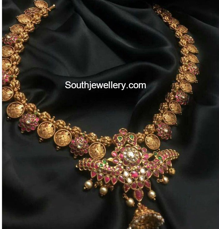 Gold Necklace latest jewelry designs - Jewellery Designs