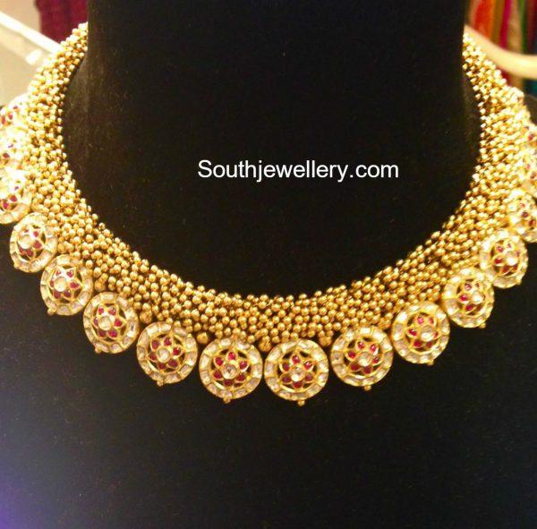 gold-gajjalu-kundan-necklace