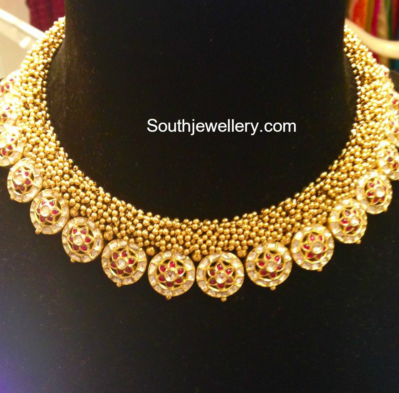 Antique Gold Necklace - Jewellery Designs