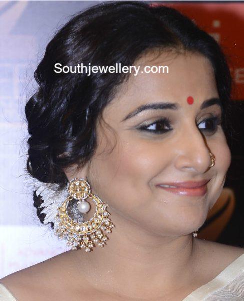 Vidya Balan in Kundan Pearl Chandbalis