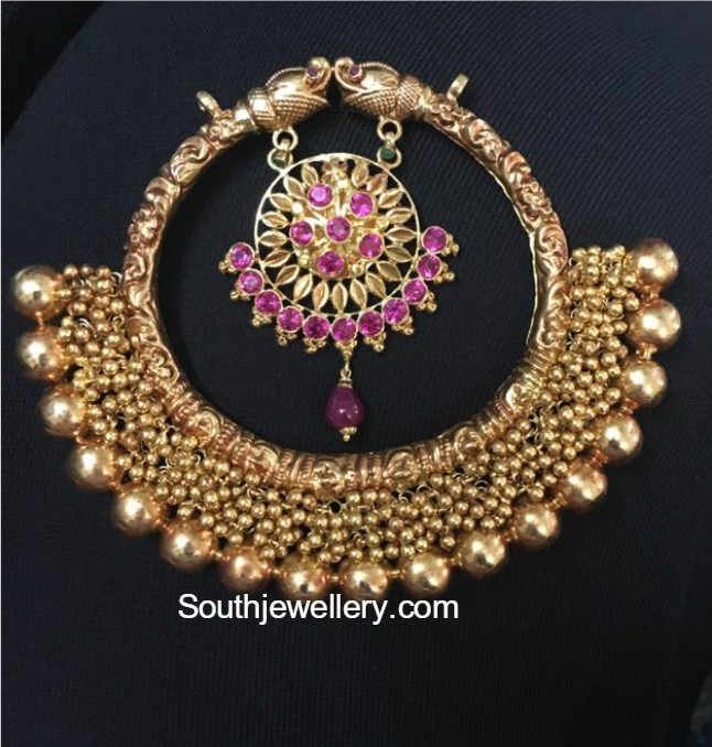 Antique Gold Nakshi Pendant Jewellery Designs