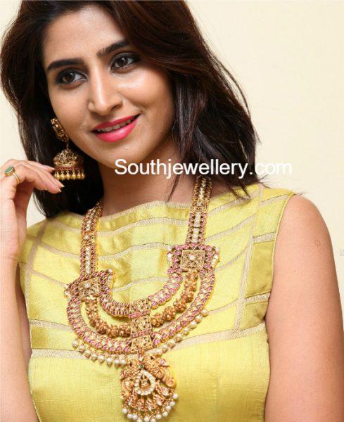 Shamili in antique gold Nakshi haram set