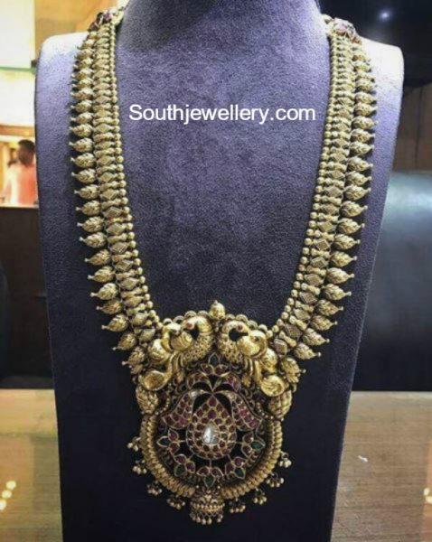 gold-haram-peacock-pendant