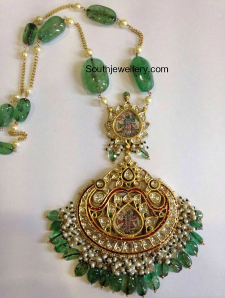 emerald beads chain with kundan pendant