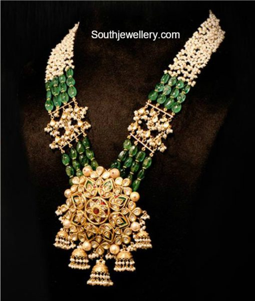 emerald pearls mala kundan pendant