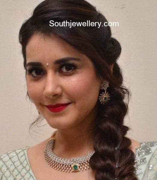 Raashi Khanna in a diamond necklace