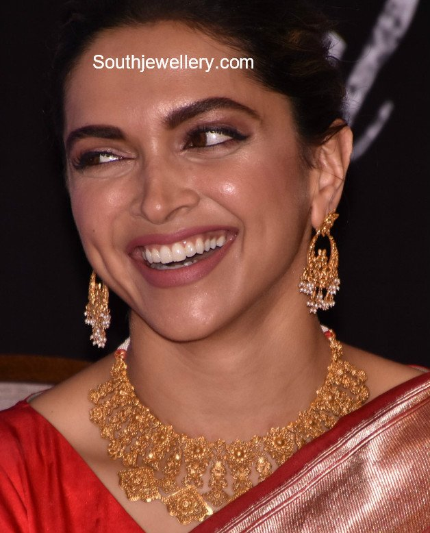 Deepika Padukone In Gold Jewellery Jewellery Designs