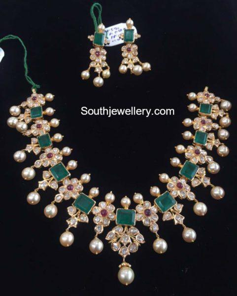 Floral Polki Emerald Necklace Set