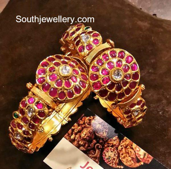 Antique Gold Kundan Bangles