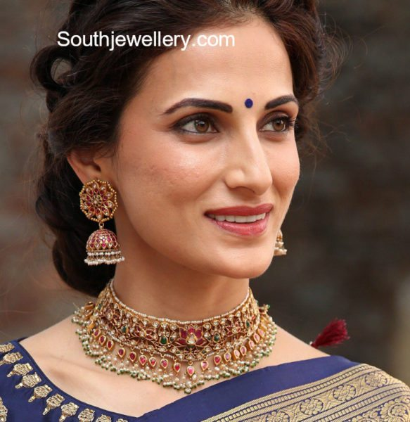 Shilpa Reddy in Kundan Choker and Jhumkas