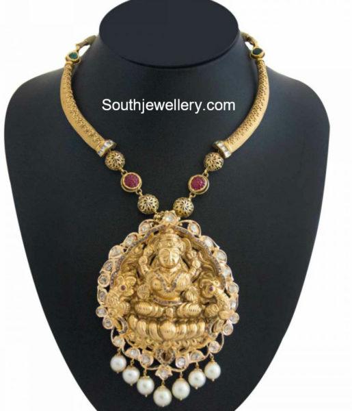 Kanthi Style Necklace with Lakshmi Pendant