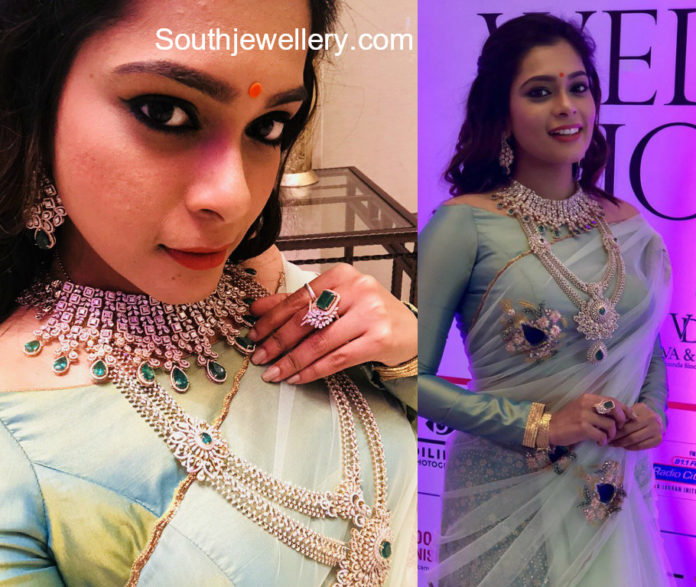 kiki vijay in jcs jewellery