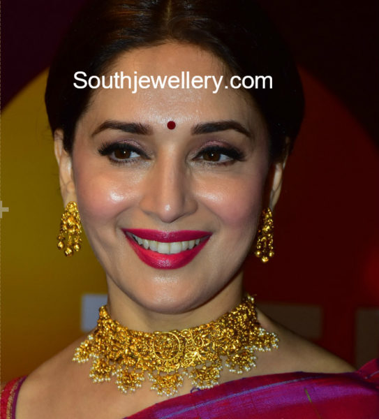 madhuri dixit in gold necklace set