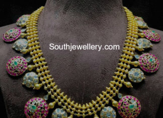 traditional-gold-botttu-necklace